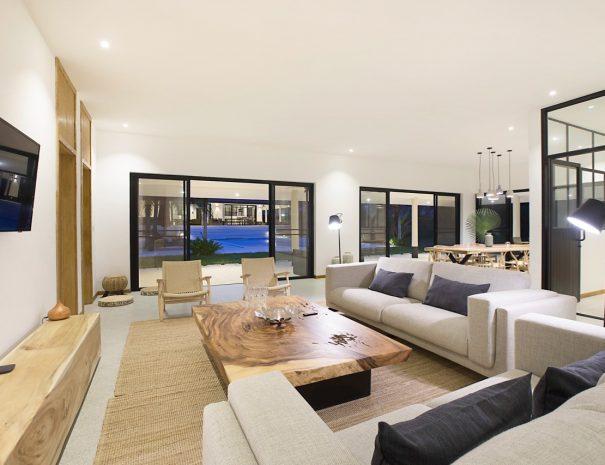 W Villa B Maremaan - Living room night time 0